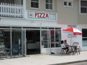 Tony Boloney's Pizzeria Finally Open - June 2009